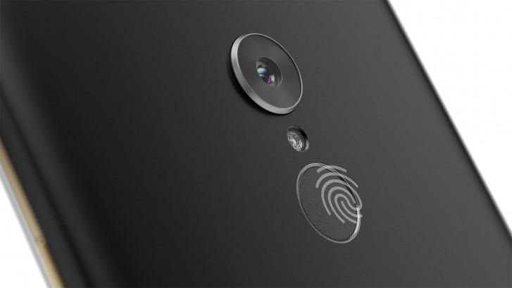 Lenovo анонсировала Tab V7 - 6,9-дюймовый смартфон с большой батареей и скромным ценником