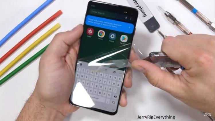 Защитная пленка Samsung Galaxy S10 стоит $30