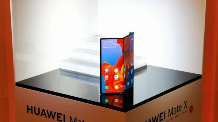 Гендиректор Huawei поделился прогнозами о будущем складных смартфонов
