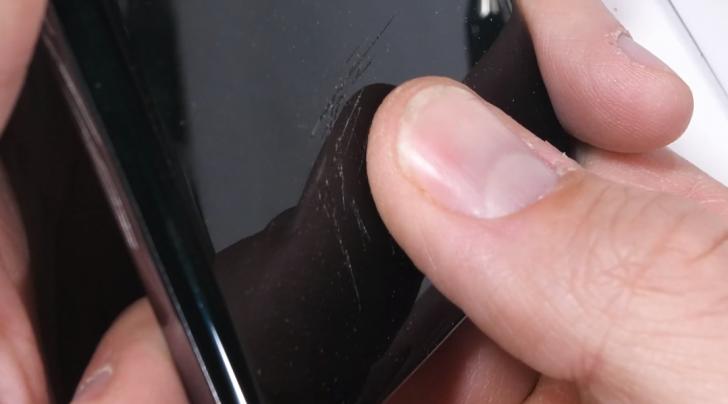 Samsung выпустила обновление для Galaxy S10, исправляющее проблему со сканером отпечатков пальцев