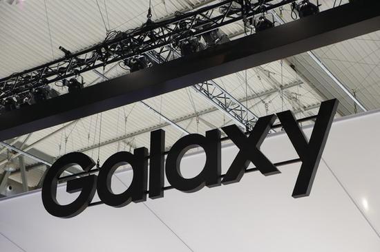 В Samsung Galaxy S11 камера будет встроена в дисплей