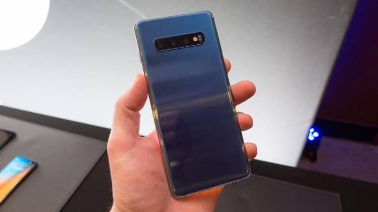 Samsung анонсировала новые цвета Galaxy S10 и S10+ в Китае